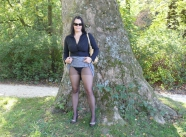 Exhibition en paire de collants dans un parc