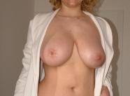 Grosse paire de seins - Cougar mature