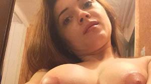 Jeune nymphomane de Nice aux envies de sexe